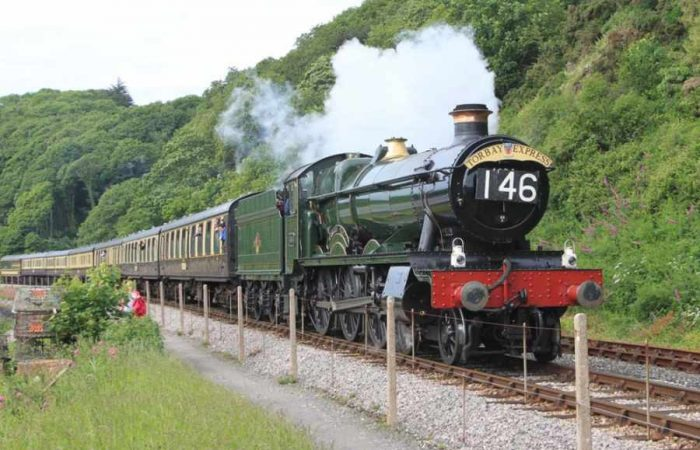 Paignton-Dartmouth-Steam-Railway-700x450